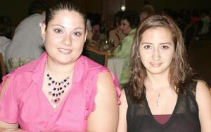 Mónica Cortés y Kelly Jaik.