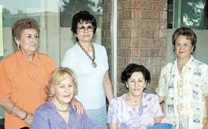 <i><u> 05 de julio</i></u><p>   María Luisa C. de Castañeda, Silvia de Castrillón, Tere Peña Ornelas, MArtha T. de MArtos e Isabel de Muñoz.