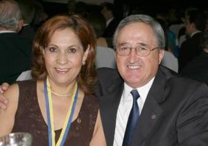 Laurita de Luévanos y Manuel Luévanos.