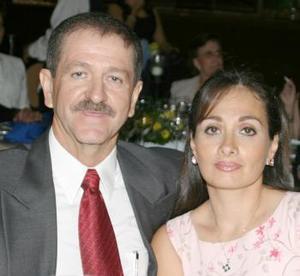 <i><u> 06 de julio</i></u><p>   Manuel Goytortua y Lupita de Goytortua.