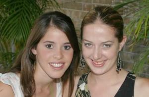 Bárbara Martínez y Claudia de González.