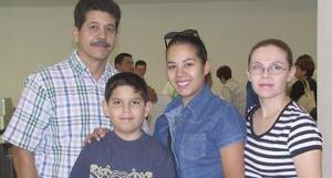 Arturo Martínez, Lucy Silveyra, Lucy Martínez y Luis Arturo Martínez viajaron a la ciudad de Tijuana.
