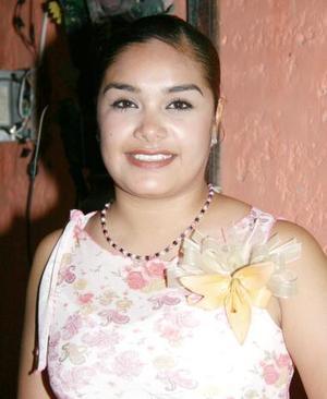<u><i>08 de julio </u></i><p>   Selene Salazar Castro contraerá matrimonio con César Castillo en próximos días y fue despedida de su vida de soltera.