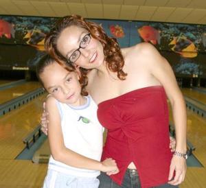<i><u>08 de julio</i></u><p> Mary Loly y Daniela Garza Ceñal.