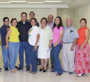 <u><i>08 de julio</i></u><p>  Miguel Ángel López viajó a Los Ángeles, lo depidió la familia López Molinar.