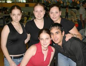 Elena, Sofía y Carolina Villarreal, Sofía Arriola y Agustín Nava.