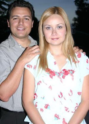 Carmen María Cázares e Ignacio Méndez disfrutaron de una despedida de solteros, con motivo de su próxima boda.