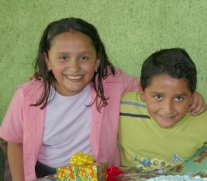 Frida y Aldaír Peralta González festejaron sus diez y nueve años de vida, respectivamente, con un divertido convivio infantil.