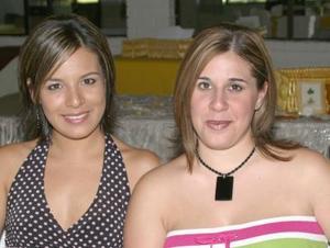 <i><u>09 de julio</i></u><p>  Elizabeth Tinoco y Pilar López.