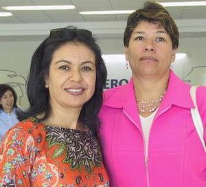 <u><i>09 de julio</i></u><p>  Sonia Contreras voló a Merida y fue despedida por Carmen Sáenz.
