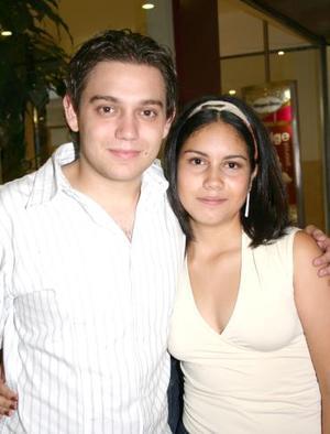 Héctor Garza Arenal y MAriel Duarte Hurtado.