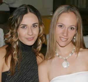 <i><u>10 de julio</i></u><p>   Marile Ávila y Gaby de Salazar.