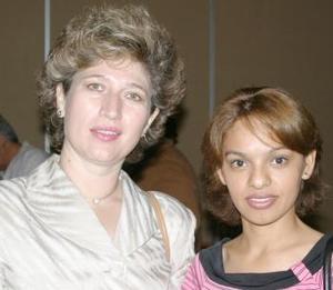 <i><u> 10 de julio</i></u><p>  Sofía Enríquez y Esther Rodríguez.