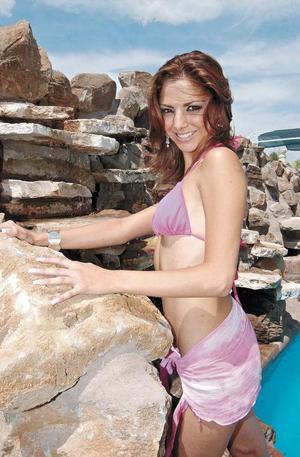 Daniela López Guajardo es una de las seis chicas que compiten por la corona y que además está recibiendo, junto a las demás preparación en cuanto a su arreglo personal, limpieza facial, nutrición, etc., desde hace tres semanas.