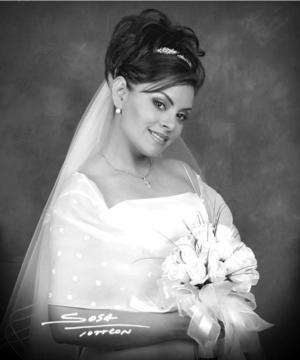 Srita. Brenda Guadalupe Cortázar unió su vida en el Sacramento del matrimonio a la del Sr. Víctor Manuel Marrufo. <p> <i>Estudio: Sosa</i>