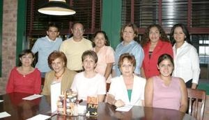 <i><u> 12 de julio</i></u><p>  Magda Herrera, Lupita de Sánchez, Vidal Sánchez, Rocío Reséndiz, Gloria Ávalos, Janeth Hernández, Alejandro Sánchez, Ana Sánchez, Malena Villarreal, Esperanza Molina
