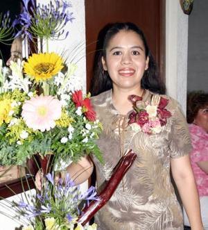 Adriana Núñez de Llano fue despedida de su soltería, con un agradable convivio en días pasados.