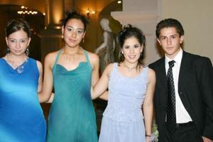 Monse Marrero, Karina Morales, MArtha Solórzano y Marco Martínez, festejaron en grande su graduación.