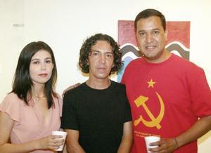 Elva Pérez, Rodrigo Camacho y Rubén Moreno