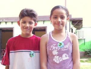 Philip y Cindy Flores.
