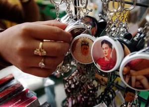 El homenaje a Frida también incluirá la mesa redonda Memorias para Frida, el 14 de julio en la galería del Centro Cultural del Bosque, con la participación de los pintores Begoña Zorrilla, Rina Lazo y Arturo García Bustos.