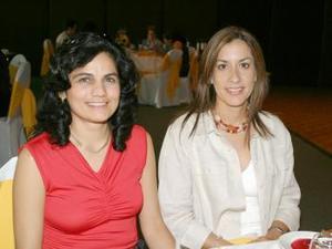 Norma de Del Río y Gabriela de Mendoza, captadas en pasado festejos social.