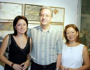 Jennifer y Federico López Hernández y Josefina H. de López