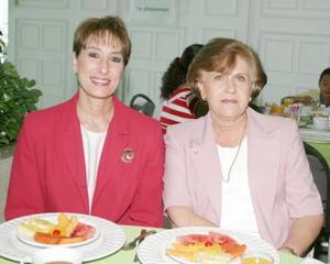 Patricia Tueme y Magdalena Dingler