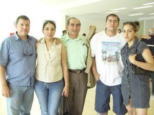 César y Hegly Marroquín viajaron a Orlando y fueron despedidos por William García, Verónica y Samuel González