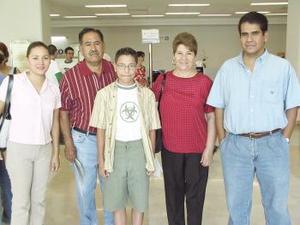 Irma González, Alfredo y Carlos Alonso viajaron a Tijuana y fueron despedidos por Irma Nancy García e Itzé Soberón