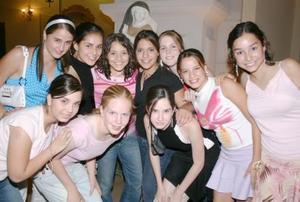 Paulina, Marcela, Marina, Ema, Isabel, Marina, Ana Cris, Laura y Mónica.