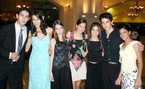 Roberto, Daniela, Andrea, Luzma, Isa, Luis y Lety.