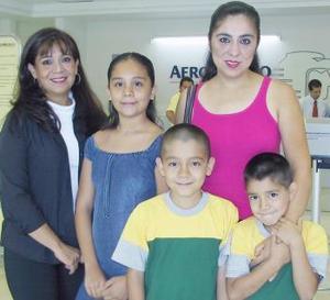 Salma Tahany, Doris Eduardo y Julián Ayup viajaron a España.