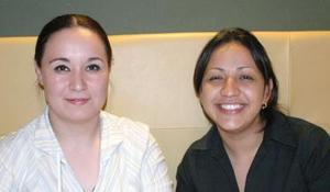 Amine Torres y María del Carmen Martínez.