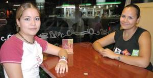 <i><u>16 de julio</i></u><p>  Edith Quiñones Aguilera y Nadia Diosdado Soto.
