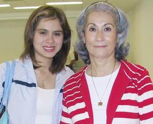 Guadalupe Garza y Brenda Porras, viajaron con destino a Cancún.