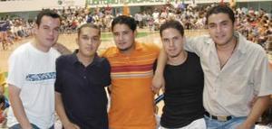 Carlos, César, Víctor, Jorge y Héctor.