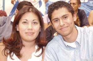 Jesús Nuñez y Becky Rentería.