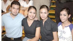 Esmeralda y Violeta Castañeda, Argentina Ruiz y Isaí Rivas.