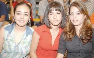 Argelia, Violeta y Midori.