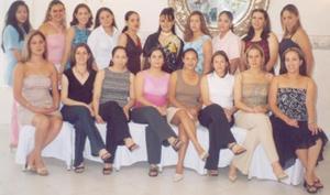 Aída Ponde Gutiérrez acompañada de sus amigas, en la despedida de soltera que se el ofreció por su próxima boda con Alejandro Salvador López Carrillo a celebrarse en próximas fechas.