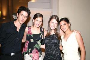 Luis Fer Schmay, Luzma Arriaga, Andrea Espada y Betty Cepeda.
