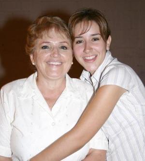 Marcela de Slas y Mily Azpiazú de Salas.