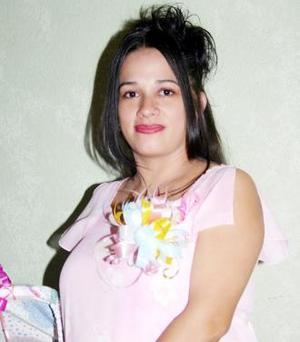 <u><i> 18 de julio </u></i><p>   Irma Patricia Valencia de Padilla espera el nacimiento de su primer bebé y por tal motivo, disfrutó de una fiesta de canastilla.
