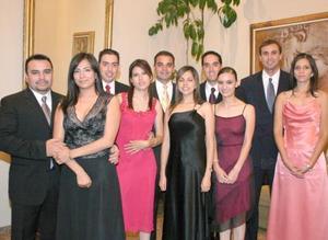 Nadia, Alfredo, Jaaziel, Gorostiaga, Osvaldo, Marcela, Alfonso, Sharon, Ademir y Piedad captados en reciente festejo social.
