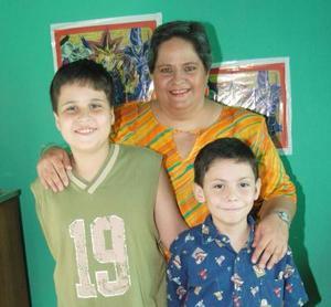 Jonathan René y Juan Manuel Blásquez Livas festejaron sus respectivos cumpleaños, con un divertido convivio ofrecido por Clara Luz Blásquez Livas.