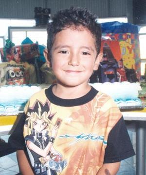 Salvador Acosta, cumplió cuatro años de vida y sus papás, Víctor Acosta y Conny Rodriguéz, lo festejaron en días pasados.