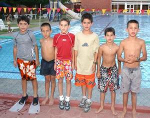 Tito Ramírez, Diego Medrano, César Guzmán, Pilón Ortiz, Andres Medrano y Salvador Pérez.