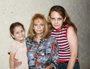 Azul María, Bertha Kaim y Gloria Villarreal.