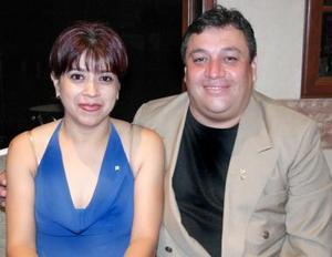 Angélica Flores de Gutiérrez y Antonio Gutiérrez.